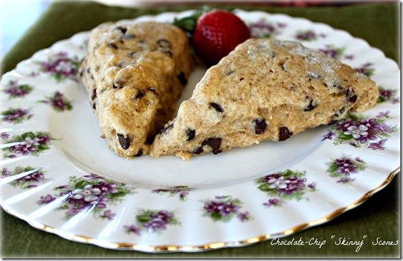 Chocolate Chip Skinny Scones {from 2 Sisters 2 Cities}