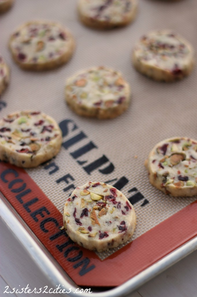10 Cranberry Pistachio Shortbread Cookies | 2 Sisters 2 Cities